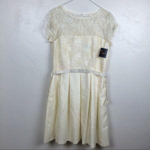 just taylor Dresses & Skirts - NWT just Taylor ivory lace midi wedding dress