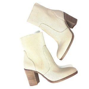 hinge Shoes - HINGE grey leather boots