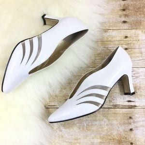 VINTAGE 6 Leather White Shooties Heels Shoes