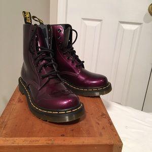 Dr. Martens Shoes - Doc Martens 6