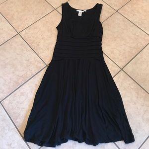 Studio M Dresses & Skirts - STUDIO M Dress SZ Large Chic & Flattering
