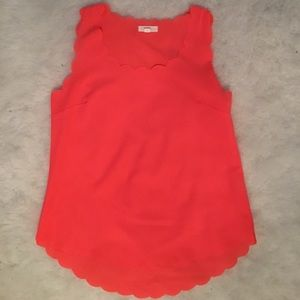 Tops - Neon pink scalloped tank 💖