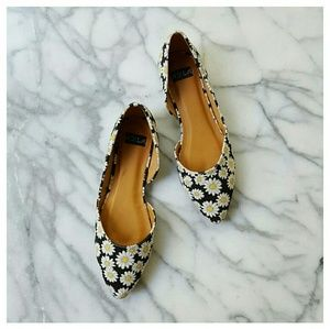 N.Y.L.A. Shoes - Daisy Print Vegan Flats