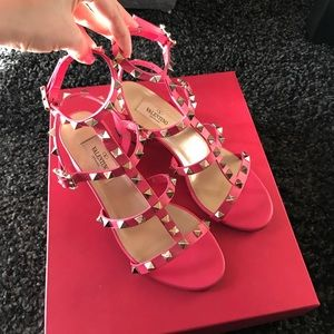Valentino Garavani Shoes - Classic Valentino City Sandals Size 35.5