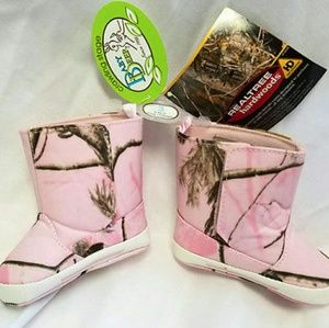 Baby Deer Other - Realtree Baby Deer Camoflauge Boots Infant Size 3
