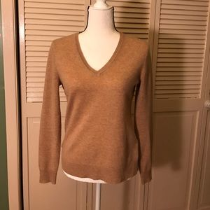 Lord & Taylor Sweaters - Lord & Taylor Cashmere V Neck Sweater.