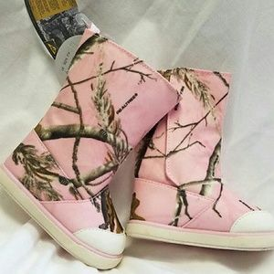 Baby Deer Other - Realtree Baby Deer Camoflauge Boots Infant Size 4