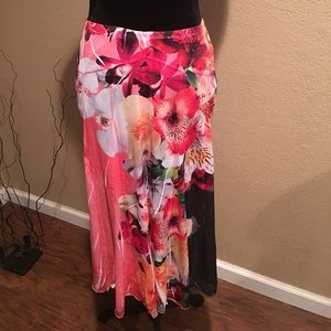 Beautiful Floral Skirt !