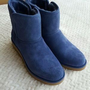 UGG Shoes - UGG Kristin Mini Boot Moonstone Size 7.5