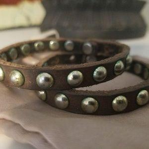 Linea Pelle Jewelry - Set of 2 leather & brass slim bracelets