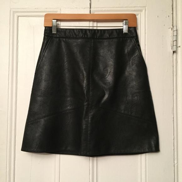 42e2e9ab Zara Faux Leather A-Line Mini Skirt
