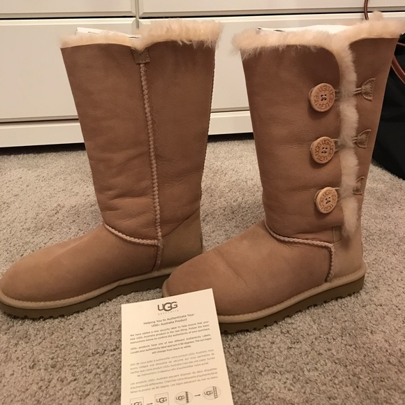 38 off ugg shoes bailey button sand uggs size 6 tall. Black Bedroom Furniture Sets. Home Design Ideas