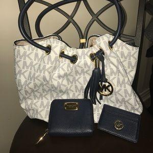 Michael Kors Handbags - White & Blue MK HANDBAG, WALLET & CARD HODLER 💙💙