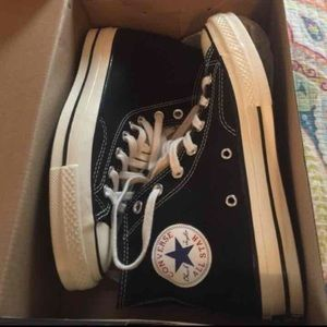 Converse Shoes - Black high top converse sneakers