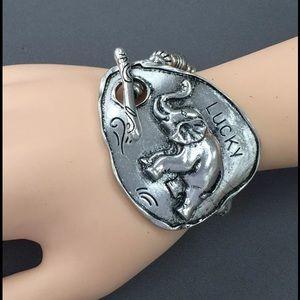 Jewelry - Antique silver lucky elephant stretchable bracelet