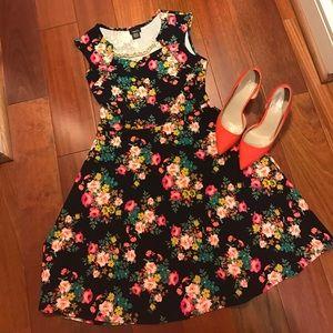 Rue 21 Dresses & Skirts - NWOT Rue21 floral dress 👗