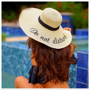 """Accessories - """"Do not disturb"""" straw sun hat"""