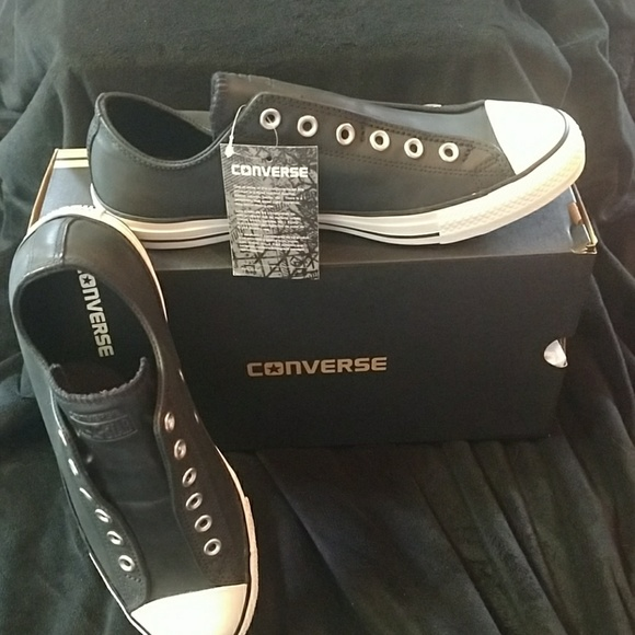62905bbbb20a Converse Shoes | Last Pair Leather Laceless Chuck Taylors | Poshmark