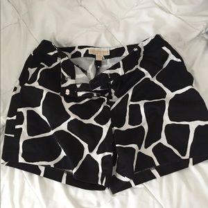 EUC Women's Michael Kors Giraffe Print Shorts 8