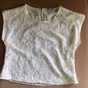 🌺bogo🌺short sleeve zipper back lace blouse