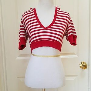 🔴Red and white striped hooded crop top.