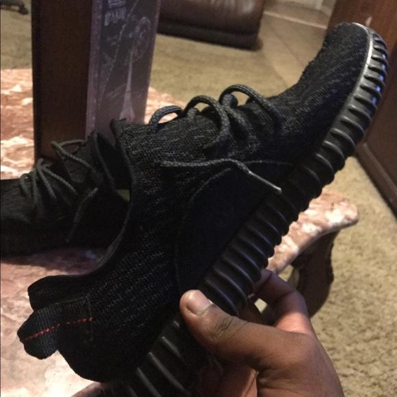 Adidas zapatos pirateblack Yeezy tamaño 105 1010 poshmark