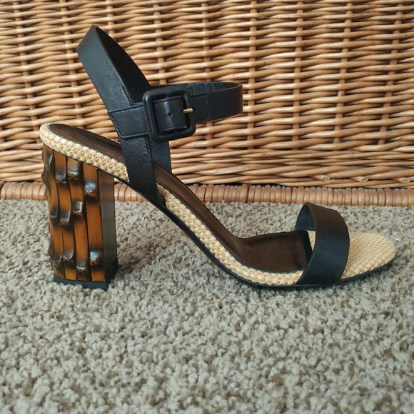 eb421e2785e6 Gucci Shoes - Vintage Gucci Black Leather Sandals