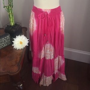 Cool Change Dresses & Skirts - 🌸Cool Change tie-dye maxi with sequin.