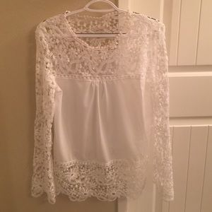 Tops - Boho chic white lace long sleeve top