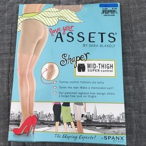ASSETS by Sara Blakely Other - Assets panty hose size 4