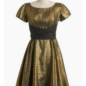 Loewe Dresses & Skirts - SALE Gold and Black Lowie Dress