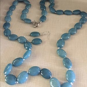 Beautiful gorgeous blue natural gemstones set