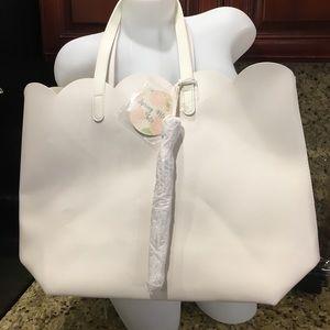 Handbags - 🏷White tote bag