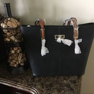 Bags - PortoVino Wine Purse in Black d1fe0f4f60699