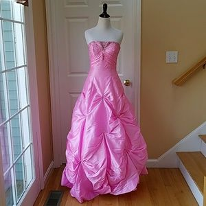 Dresses & Skirts - Pink corset ballgown prom/quincenera/evening gown