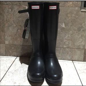 Tall Hunter boots in black