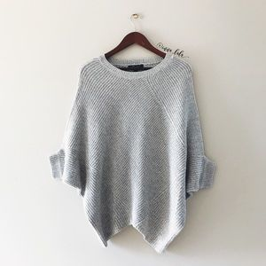 Romeo & Juliet Couture Sweaters - 🆕 Romeo & Juliet Couture Batwing Sweater