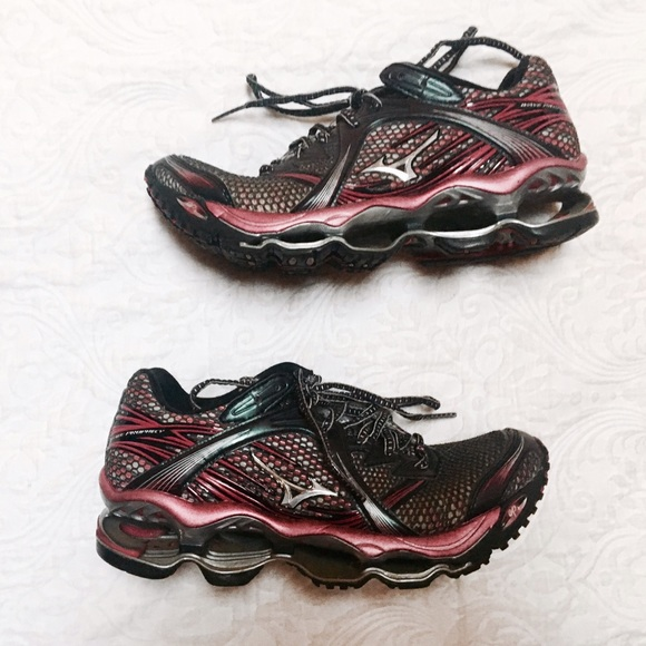 mizuno running shoes true to size 9.5