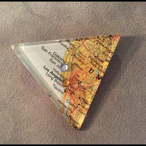 Jewelry - Vintage Map Resin Pin Los Angles San Jose  CA