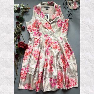 Jessica Howard Dresses & Skirts - Jessica Howard Floral Collared V-Neck A-Line Dress