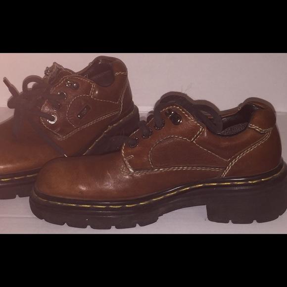 84 dr martens shoes doc martens brown lace up
