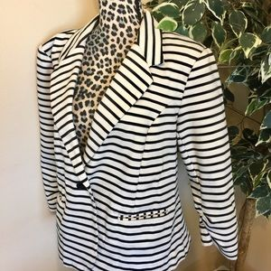 Christian Siriano Jackets & Blazers - 🔥SALE🔥 Christian Siriano New York Striped Blazer
