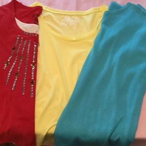 many Tops - BUNDLE OF THREE SHORT SLEEVE SOLID KNIT TOPS