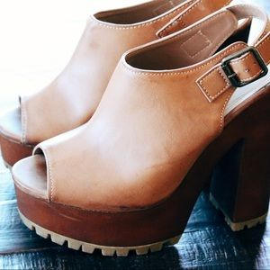 Shoes - Tan Platforms
