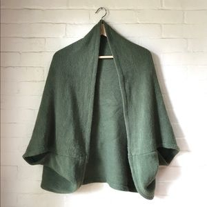 LOOK Scarf with dolman sleeves