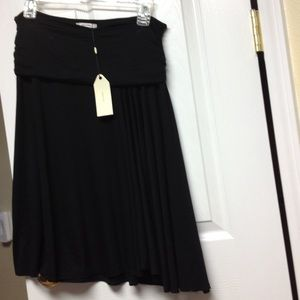 Sophie Max Dresses & Skirts - Black skirt with banded waist