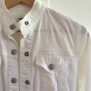 Size XS• Gap White Denim Jacket