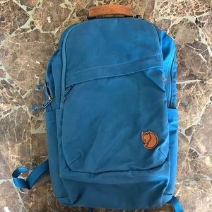 Fjallraven Handbags - Fjallraven backpack NWOT ❗️