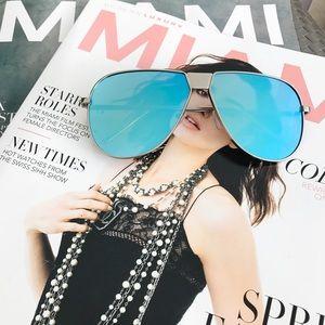 Style Link Miami Accessories - BLUE MIRROR LENS AVIATOR SUNGLASSES