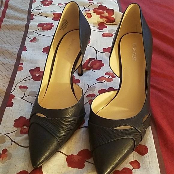 Nine West Shoes - Navy blue heels